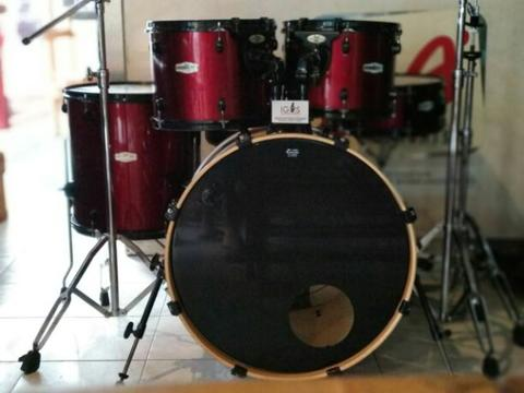 Drum set Pearl Forum series 5pcs Good Condition