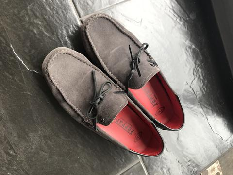 Terjual Sepatu Loafers loafer Tods Gommino Ferrari Grey Suede Formal ... 7303d32e6f