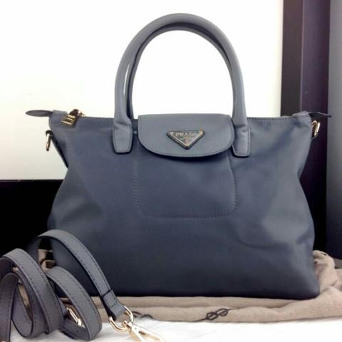 d3050678538 Tas Fashion Wanita Murah Tas Selempang Tote Bag Prada Good Quality Best  Seller BZ2016