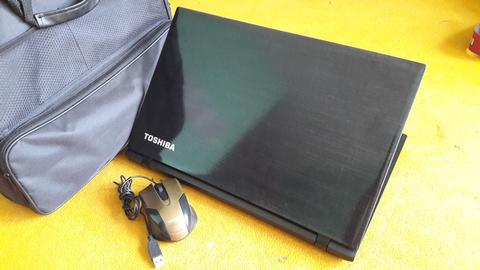 Laptop Toshiba Satellite C550 AMD A10-8700P Radeon R6 | Gaming | Malang