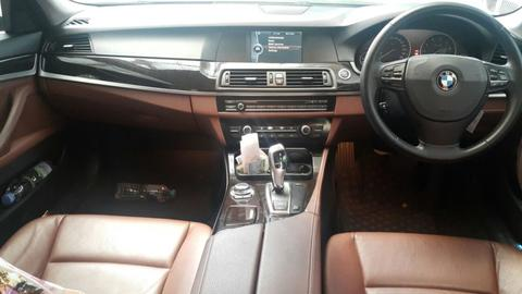 BMW F10 523i FULL M5 BLACK ON SADDLE TAN 2011