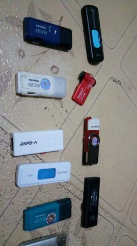 flashdisk 8GB bekas (2pcs 70rb)
