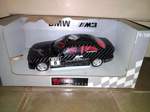 Die-Cast (1:18) BMW M3 Racing Edition [Collector Edition]