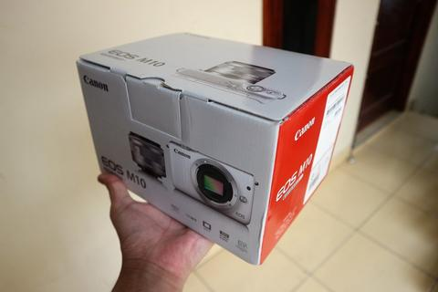 KameraMirrorless Canon EOS M10 LIKE NEW