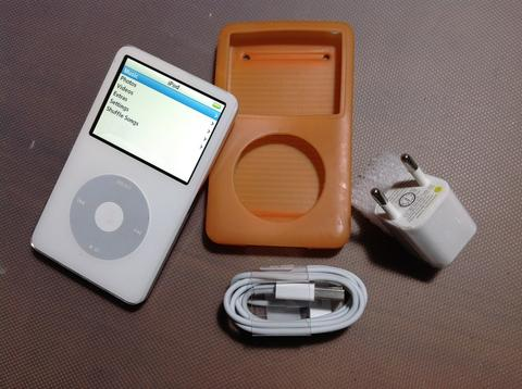 Ipod classic 5th gen 30gb putih batangan