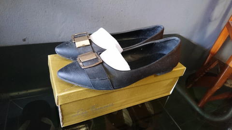 Flat Shoes Les Femmes Mulus Like New Size 36