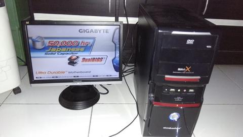 Paket Core 2 duo 2,9 Ghz + LCD Monitor