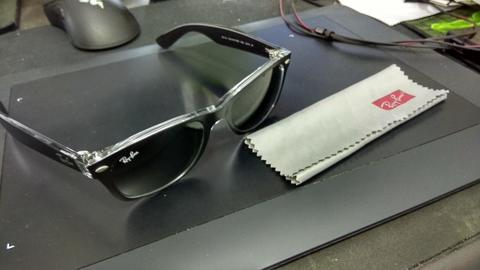 Ray-Ban New Wayfarer RB2132 - 6052 Color Mix Size 52 (SOLO)