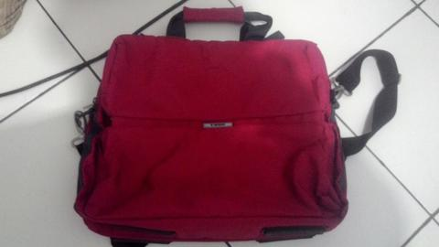 Tas Laptop Dokumen Selempang Original Samsonite Chilli Red muat laptop 16-17 inch