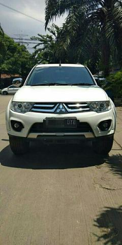 Pajero Exceed VGT Matic 2015 Putih