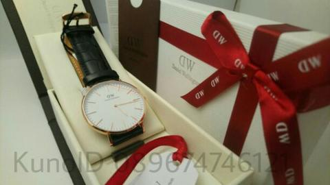jam tangan pria Daniel wellington reading