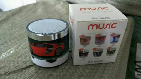 Jual Speaker mini Blue Tooth Mobile Micro SD Slot, dan Flash disk slot.
