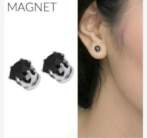 Anting Fashion Minimalist Diamond Magnet