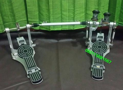 Twin pedal sonor DP472R