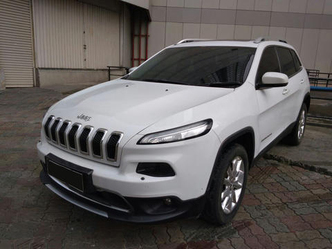 Jeep Cherokee limited in Indonesia