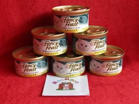 Fancy Feast 85 gr Grilled Turkey Feast In Gravy / Makanan Kucing
