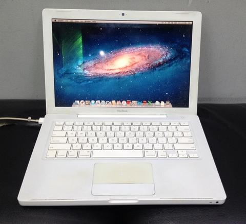Macbook White 5,2 Buat Game dan Design, VGA nVidia , Lancar