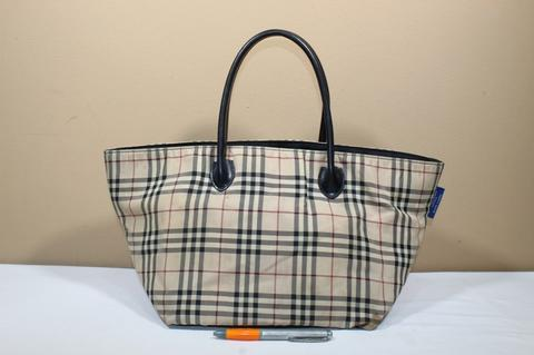 Tas branded BURBERRY BLUE LABEL BUR261 Nova zip tote second bekas original  asli 130dadf565