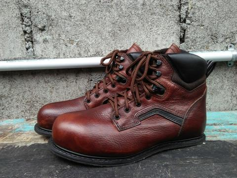 Red Wing Shoes 3226 Safety Boots not docmart/dr mertens, adidas, nike, vans, converse
