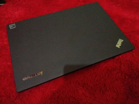 Lenovo Thinkpad X240 Core i5-4300U Ram 4GB HD. 500GB Muluss
