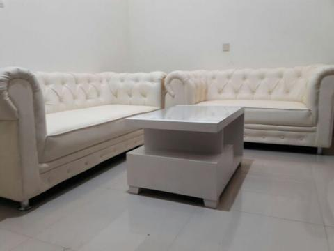 display Pameran Sofa Chesterfield set 3+2+1 dan meja Duco