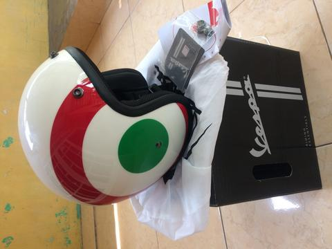Helm Vespa Original Italian Flag Size L (New)