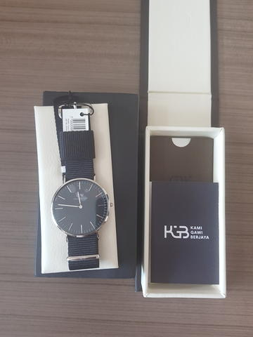 For Sale Daniel Wellington Classic Black Cornwall NEW !!!