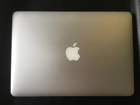LIKE NEW MACBOOK Pro Retina Display SSD 256 RAM 8GB Fullset