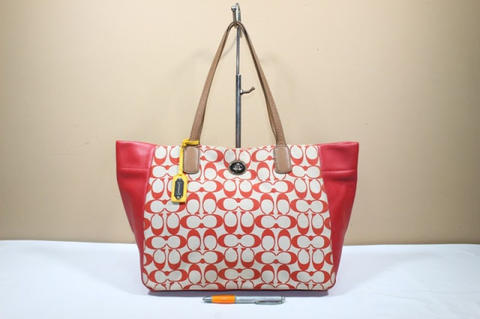 Tas branded COACH TURNLOCK Red signature C374 Second bekas original asli