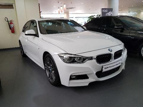 BMW 330i 2016 Putih - interior Red