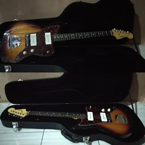 Squier Vintage Modified Jazzmaster Sunburst With Hardcase