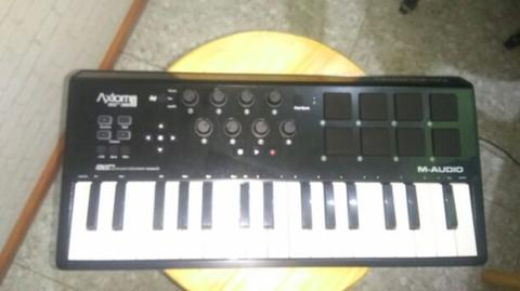 M audio axiom mini air 32 keyboard