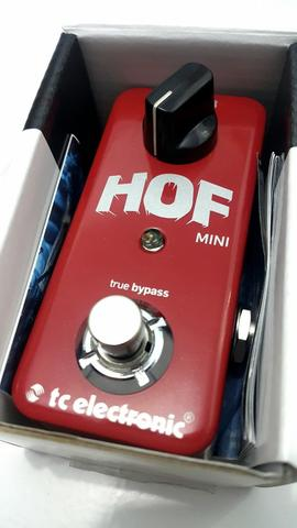 TC Hall Of Fame 2, HOF Mini, JHS Pink Panther Delay, Planet Waves Cliplock Strap