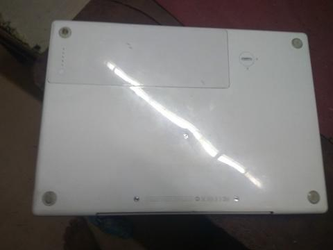 Jual Macbook Whitte 2,1 Type A. 1181. 13 In second