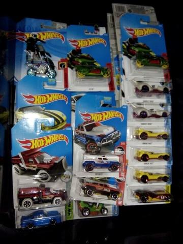 Hot Wheels Diecast Grosir Murah Random