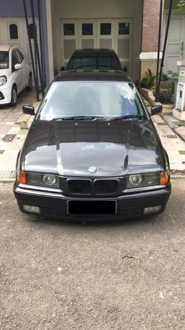 BMW 323i 1998 facelift Automatic M52B25 warna hitam metalik