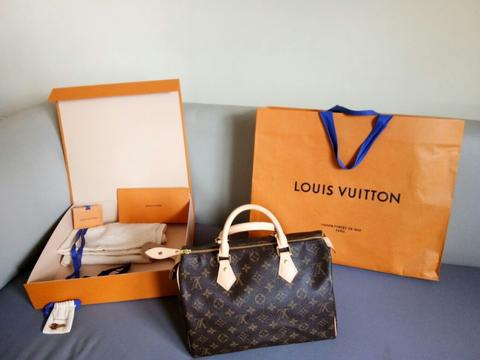 BNIB LOUIS VUITTON (LV) SPEEDY BANDOULIERE 30