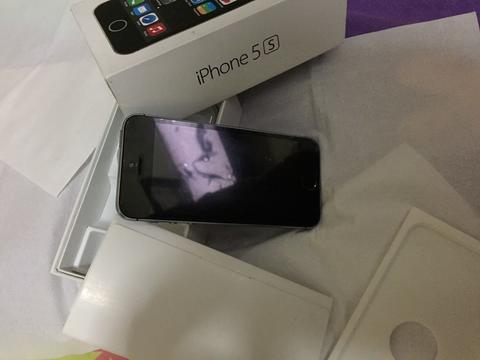 For sale Iphone 5s 16gb 4G warna SpaceGray Superrr Condition