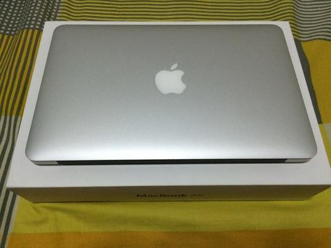 Macbook Air 11 Inch 128 GB