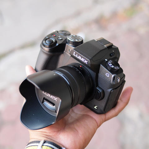 Panasonic Lumix DMC-G85 Kit 14-42mm f/3.5-5.6 OIS Kondisi Like
