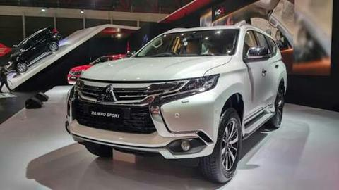 All New Pajero Sport Dakar 4x2 Matik 2018 , Stock Ready