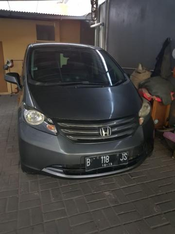 Honda freed psd E 1.5 a/t th 2009 Grey met ori tgn 1 istimewa