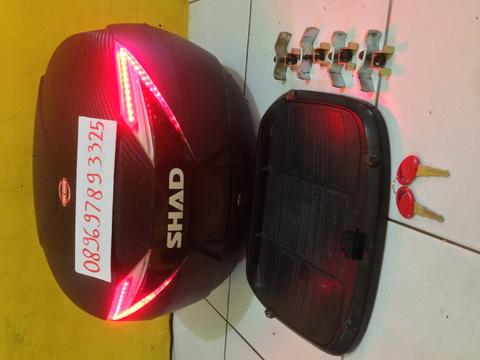 Box SHAD SH39 Carbon+baseplat+led stoplamp