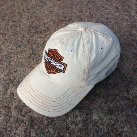 HARLEY DAVIDSON BAR SHIELD FITTED WHITE BASEBALL CAP
