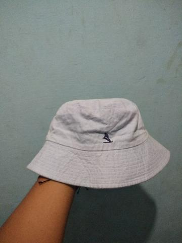 topi bucket hat pantai