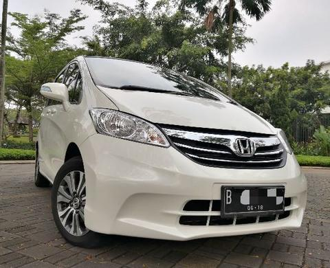 Honda Freed STahun 2013 Automatic Km75rb an record honda
