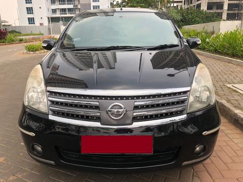 Nissan Grand Livina 1.5 Ultimate AT 2011 Hitam Metalik
