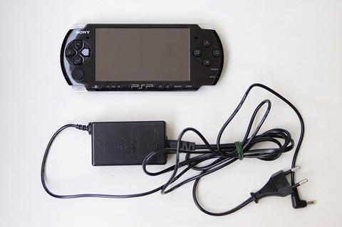 Sony PSP 3006 16gb FULL GAMES & Bonus berlimpah