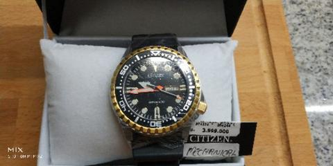 BNIB Citizen Promaster Marine NH8384-14E automatic diver watch