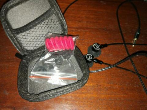 jual tomahawk toneking earphone hits